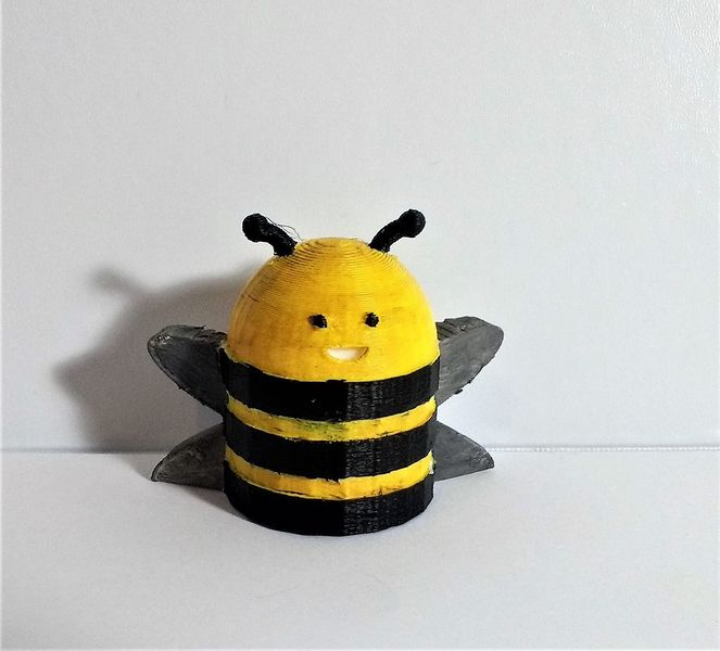 Fichier:Buzzing Bee Circuit FFQTHTCK437EMXV.LARGE.jpg