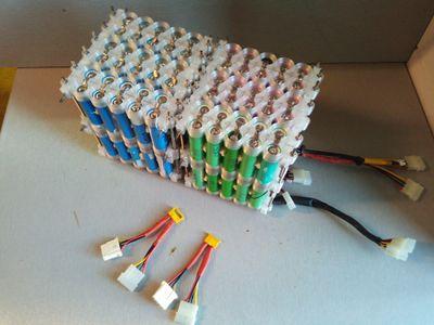 Batterie_Li-ion_36V_20A_à_partir_de_cellule_18650_de_récupération_IMG_20170501_204952.jpg