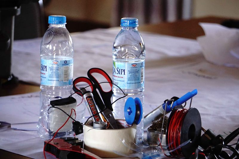 Water Bottle fan Tools and Materials.jpg